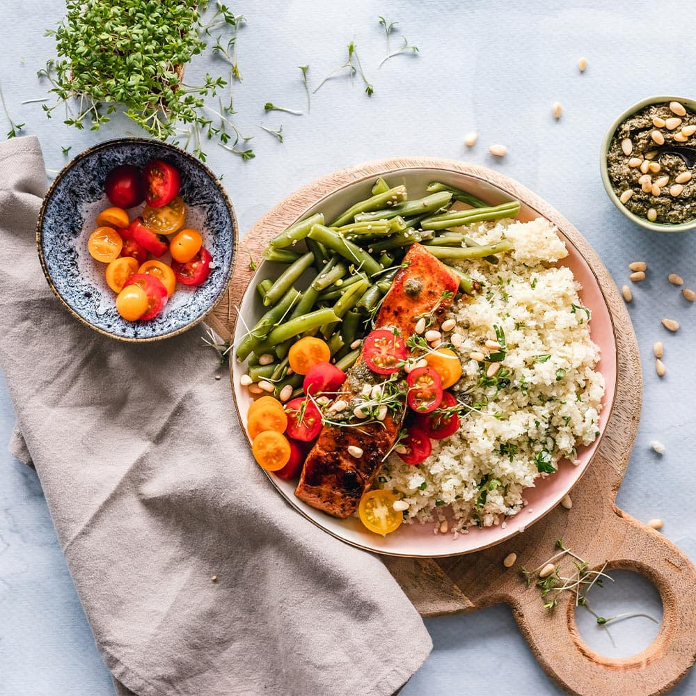 Salmon with green beans, cherrys and cuscus from La Española Olive Oil Instagram