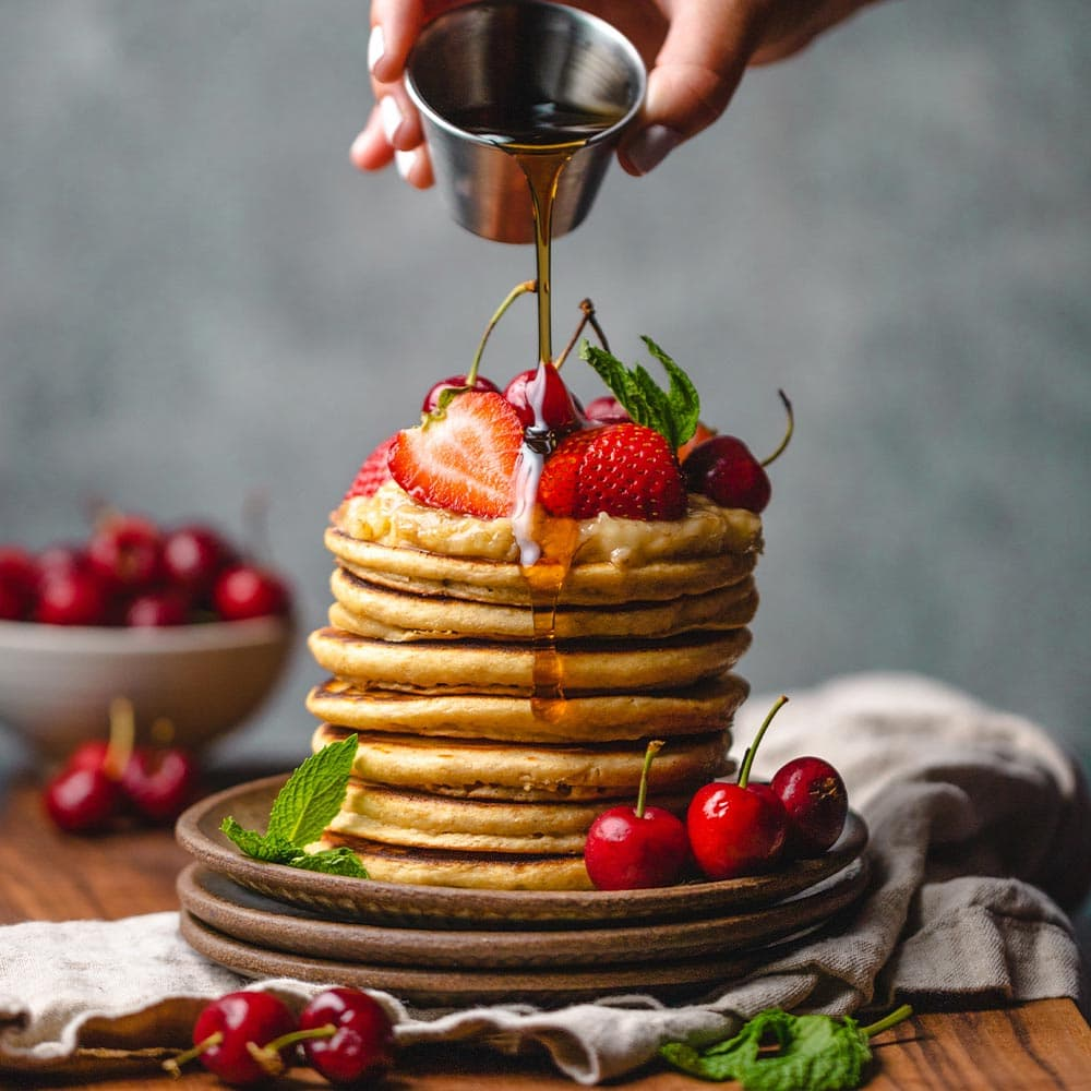 Pancakes with strawberry and syrup from La Española Olive Oil Instagram
